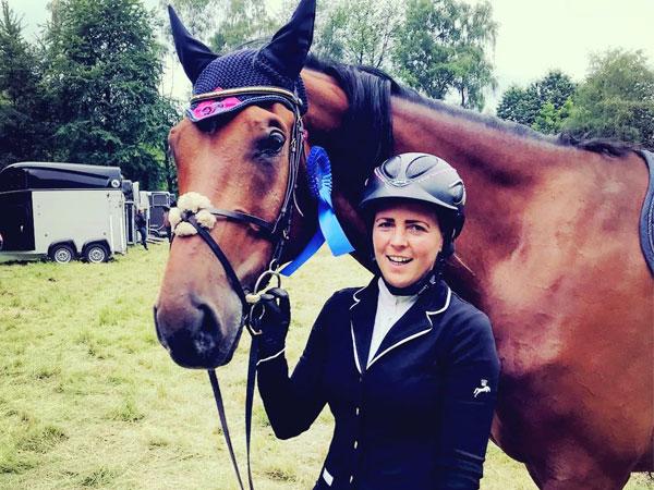 Sina Garbe mit ihrem Pferd Loui Lombardi