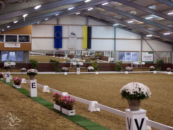 Große Turnierhalle Stall Zur Linde